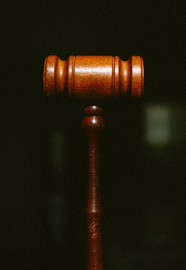 Sąd Najwyższy rozstrzygnie kwestię lichwiarskich prowizji – czy stanie po stronie pożyczkobiorców?