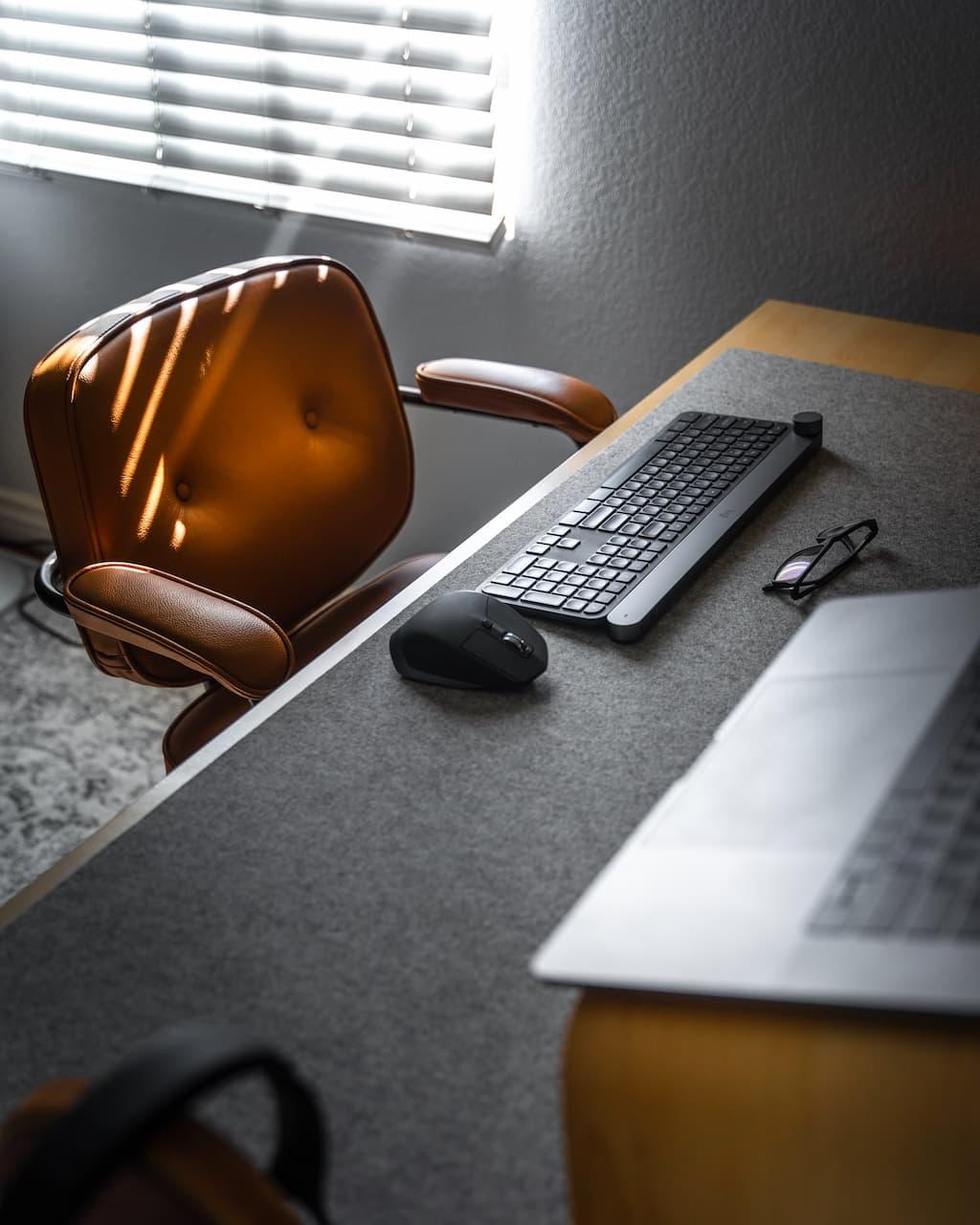 Zwolnienie dyscyplinarne, czyli rozwiązanie umowy o pracę bez wypowiedzenia, z winy pracownika