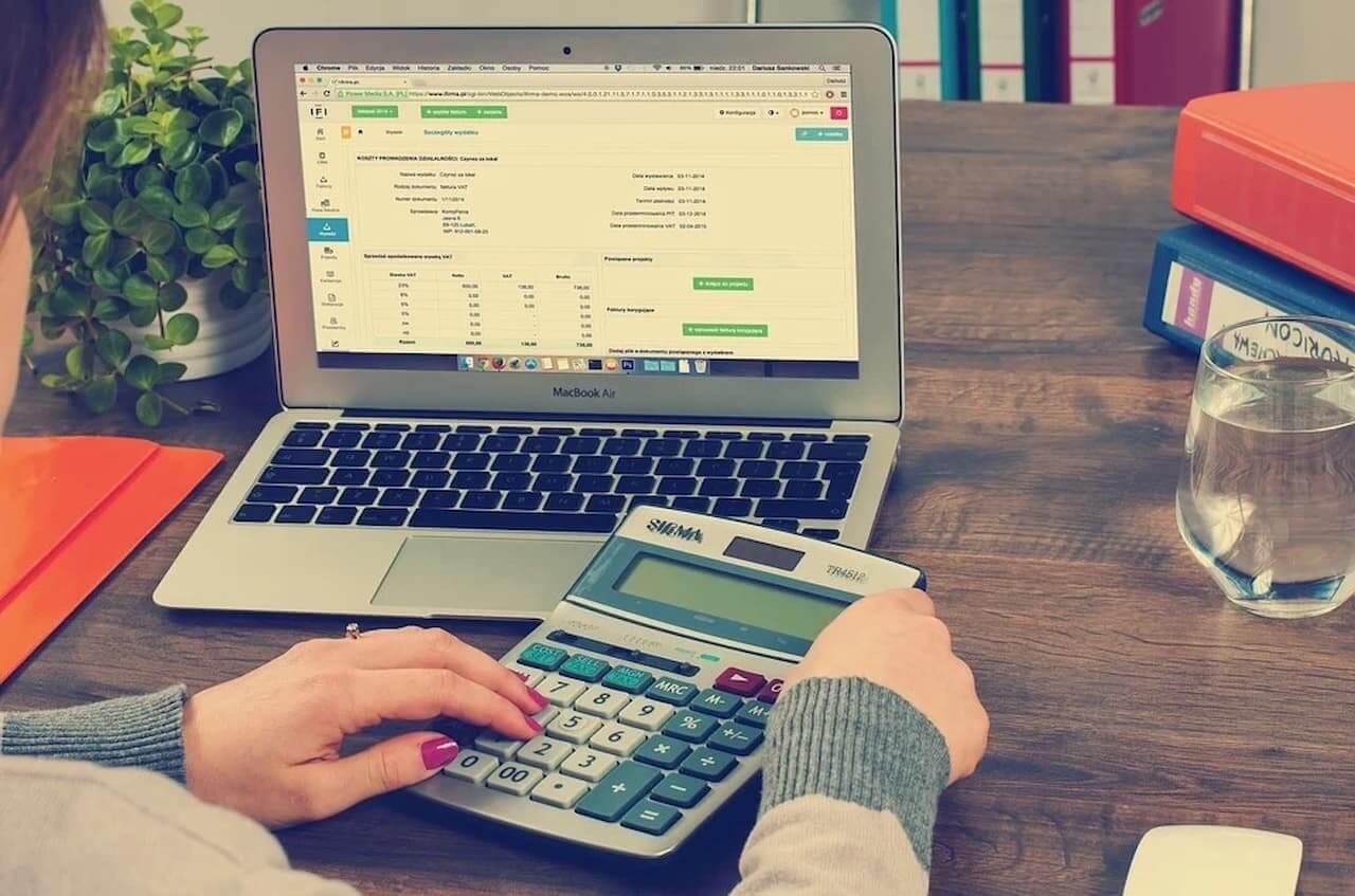Jak sprawdzić zadłużenie firmy?